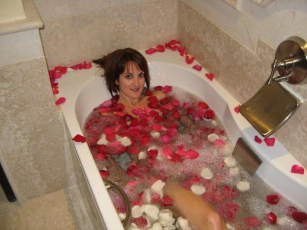 rose petal bath